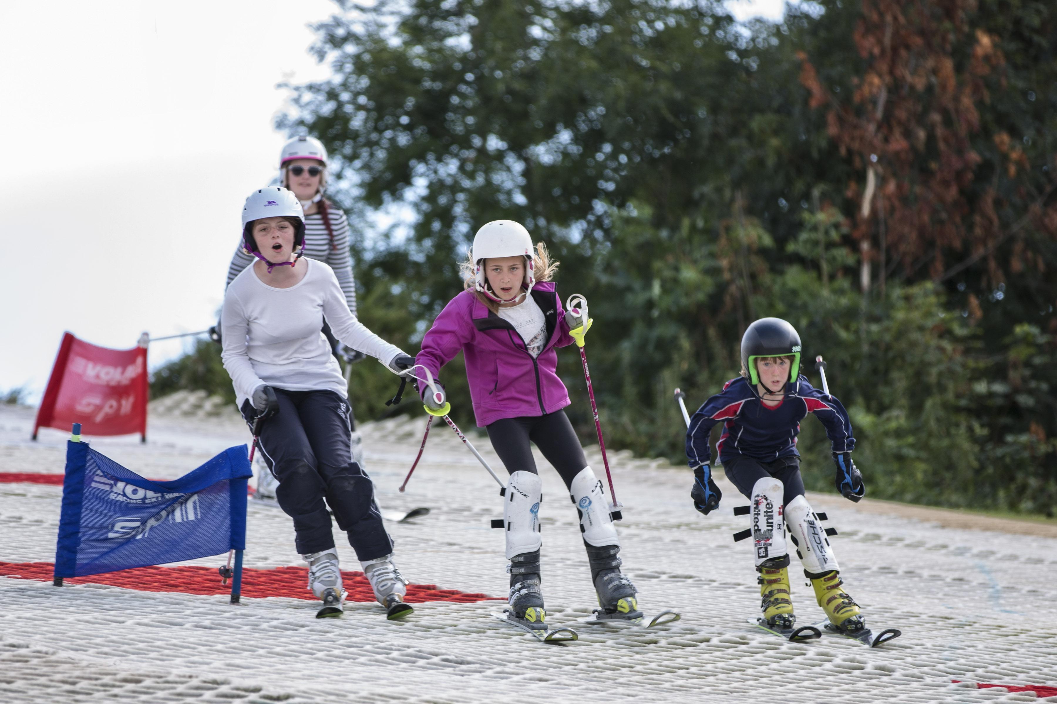 3 x skiers
